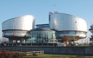 Dossier du mois / La CEDH, ou comment faire la cour à l'européenne