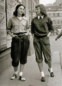 Le port du pantalon chez les « ex-demoiselles » de Paris