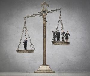 L'anti-suit injunction en action : étude comparée des modalités d'attributions