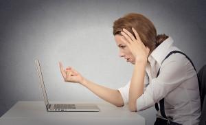 Outrage sur une personne dépositaire de l'autorité publique sur Facebook : délit constitué ou non ?