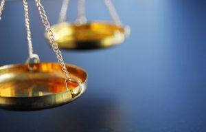 Décoration des chefs d'Etats étrangers : Réflexion autour d'une ( possible ?) norme de droit international coutumier