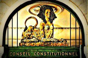 Membre du Conseil constitutionnel : une réclusion à perpétuité pour les anciens présidents de la République ?