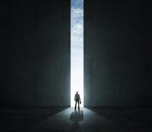 Quand le droit souple franchit les portes étroites du prétoire : une nouvelle étape dans la « dilution des frontières du droit »*  ?