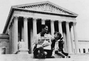 L'arrêt Brown v. Board of Education : entre Droit et sciences sociales
