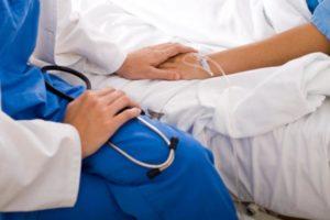 Fin de vie : validation par le Conseil constitutionnel de la procédure d'arrêt des traitements par le médecin pour les personnes hors d'état de s'exprimer
