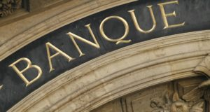 Partis politiques: à la merci des banques?